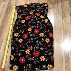 Velvet embroidered flowers tube dress
